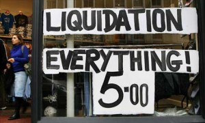 """""""Liquidação. Tudo a 5 dólares"""""""