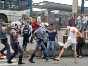 Repressão a manifestação contra o aumento em 2010