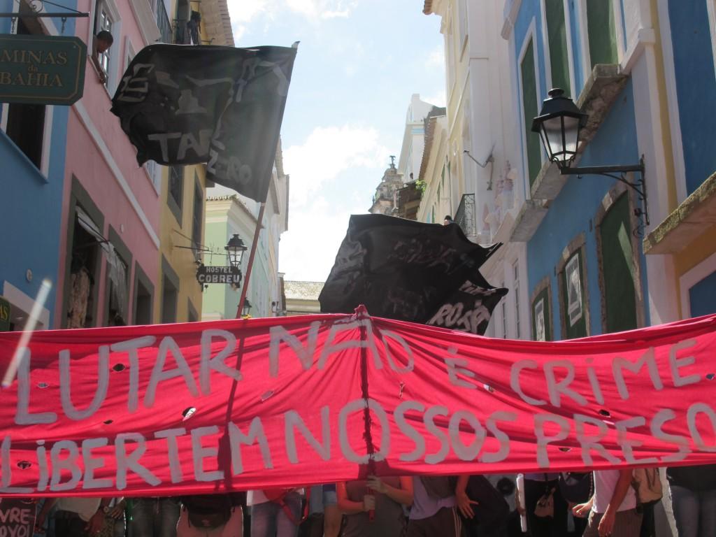 Salvador: 2 de Julho, dia do passe livre e de vaiar os governantes