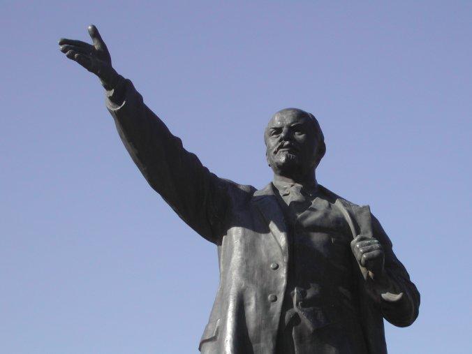 """""""Revolta popular: o limite da tática"""", um documento pós-leninista?"""