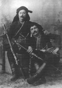 Dois «cortadores de cabeças»