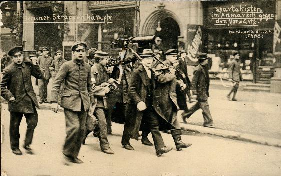 Espartaquistas em ação nas ruas de Berlim (1919)