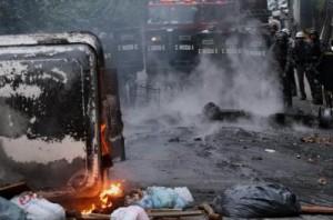 1820447_protesto_favela_brasil_264_399