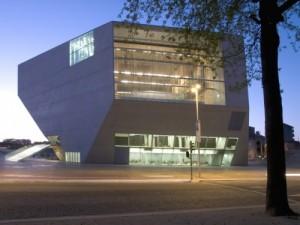 A Casa da Música, no Porto, do arquitecto Rem Koolhaas.