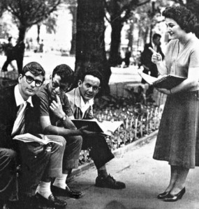 Michael Löwy (primeiro à esquerda), jovem militante estudantil