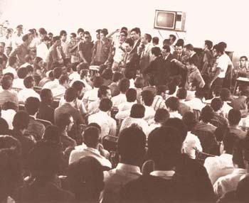 Assembleia de greve em Contagem (MG, 1968)