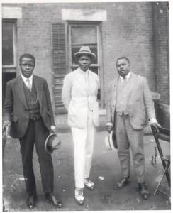 Garvey com o príncipe do Dahomé e com George Marke em 1924