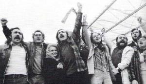 José Mário Branco (no centro) em 1974