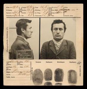 Mussolini numa ficha policial de 1903