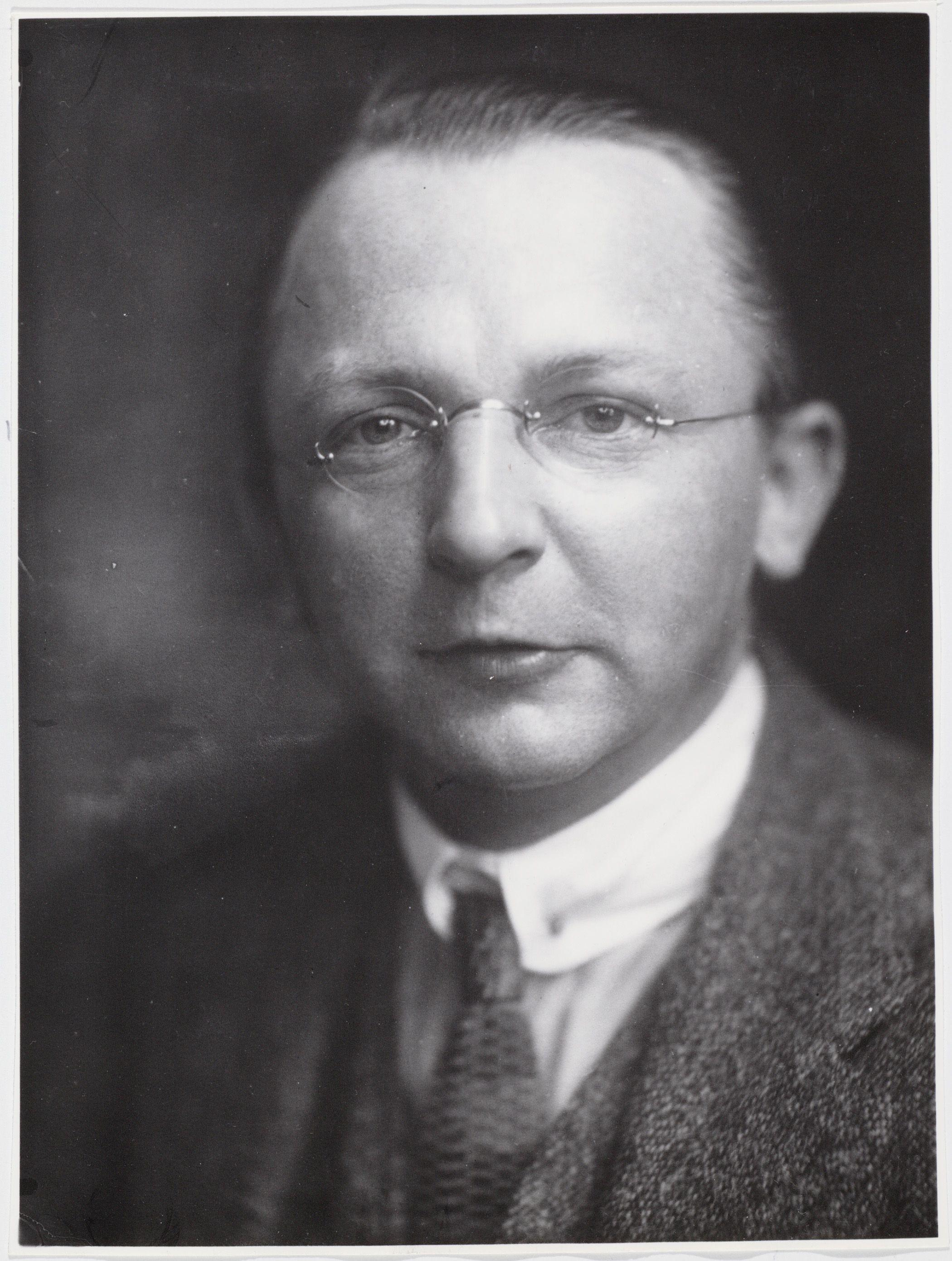 "Hendricus Josephus Franciscus Marie ""Henk"" Sneevliet (1883 - 1942)"