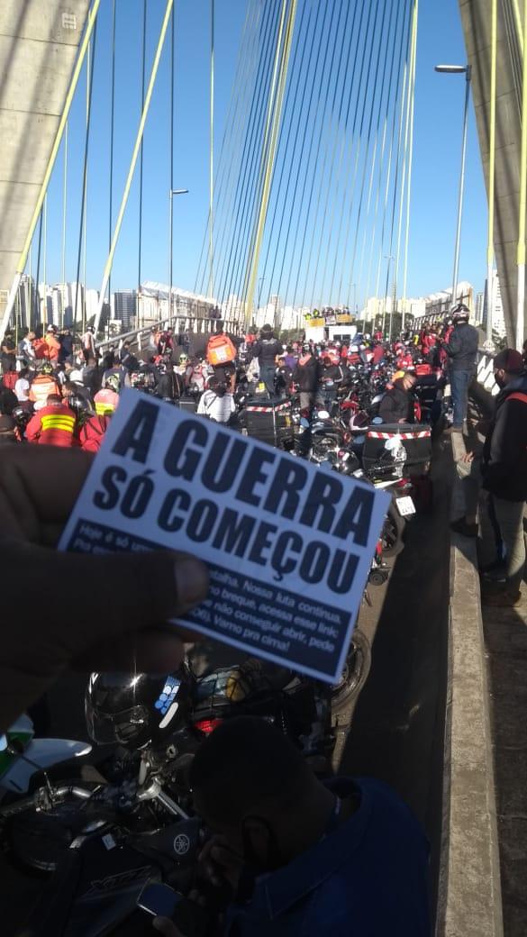 """O """"enigma"""" dos motoboys em greve contra a CLT"""