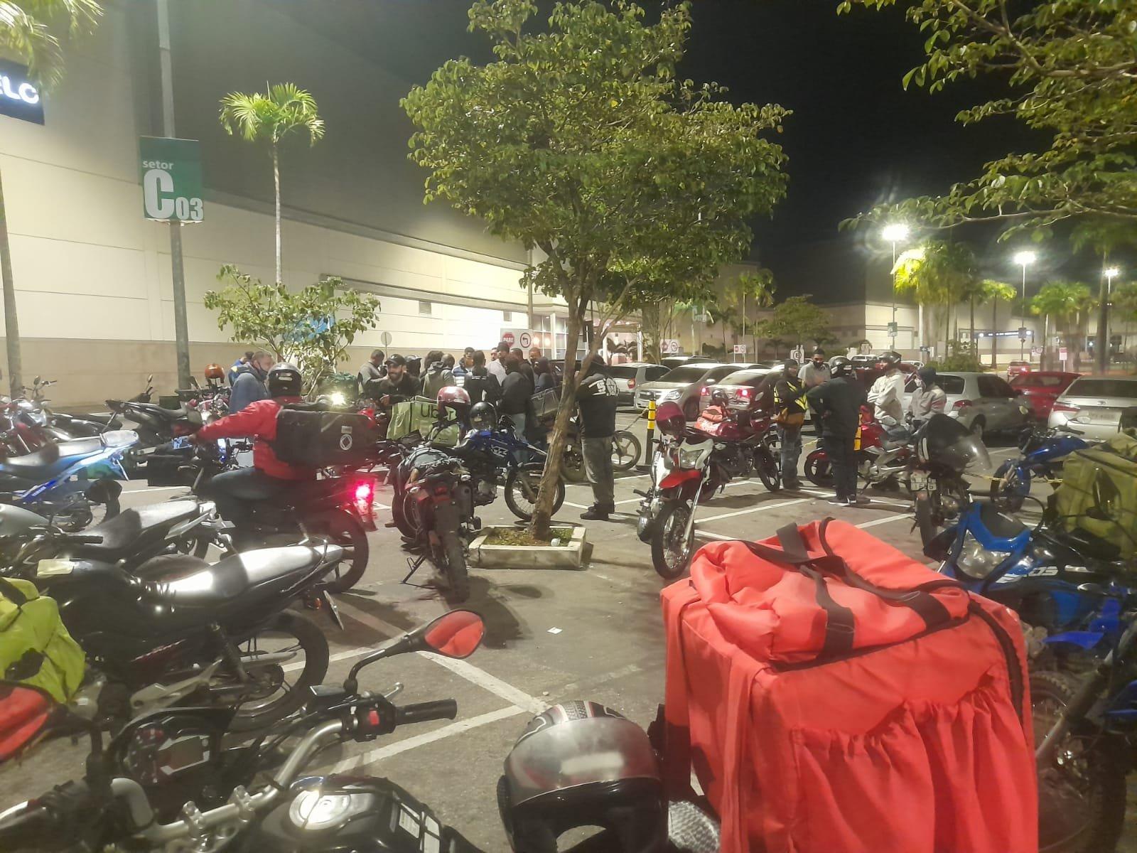 Operadoras da iFood ameaçam greve de entregadores